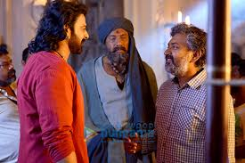 File:Prabhas and Sathyaraj filming Bahubali the Conclusion.jpg - Wikimedia  Commons